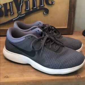 Nike Revolution 4 Shoes